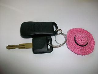 Mini Sun Hat Keychain pattern by Candace Barr