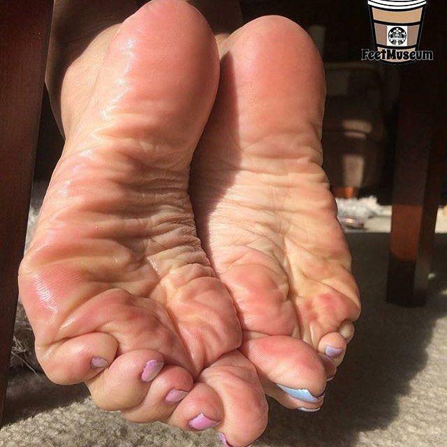 Ebony soles feet toes sex