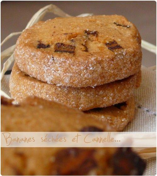 Suite des recettes de mon panier gourmand. Avec les cookies crousti-moelleux chocolat et fleur de sel, j'ai mis des petits sablés façon diamant (ajout du s