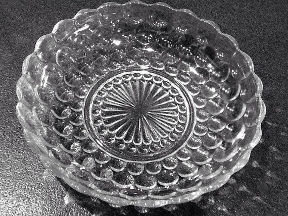 """Depression Glass Bubble Serving Bowl <> Clear Crystal <> Made By Anchor Hocking <> 8 3/4"""" Diameter <> 1940's <> EXCELLENT CONDITION"""