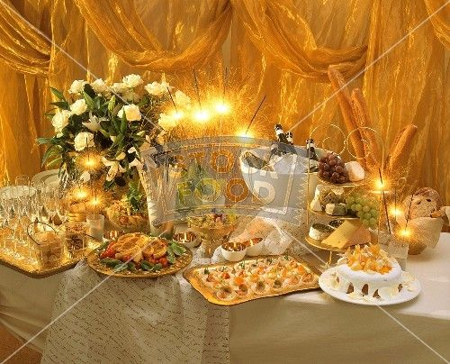 Festive Buffet for New Year's Eve; Sparklers | New years ...