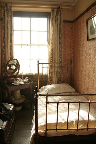 A Fusty Old Edwardian Bedroom At Beamish Single Bedroom Bedroom Design Room