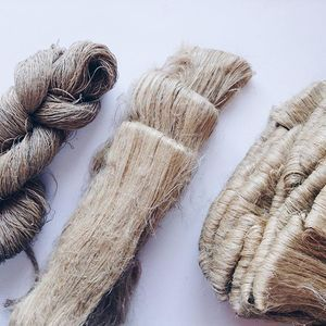 Coming soon to the shop: 100% locally grown and processed linen, either spun or just scutched, for those who want to get their hands on flax to linen processing. Very happy to be able to offer such a special fiber, especially completely grown in the north of Portugal! #osaberfazer #flax #linen #linhogalego #localfibers #fibershed