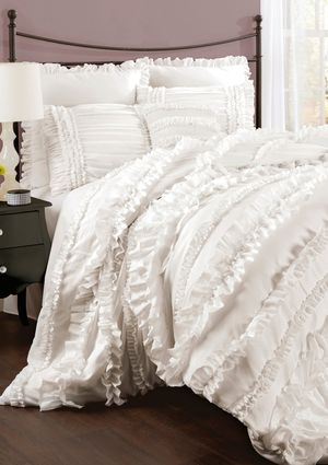 Soft Ruffled White Comforter So Cute Comforter Sets Lush Decor Chic Bedroom