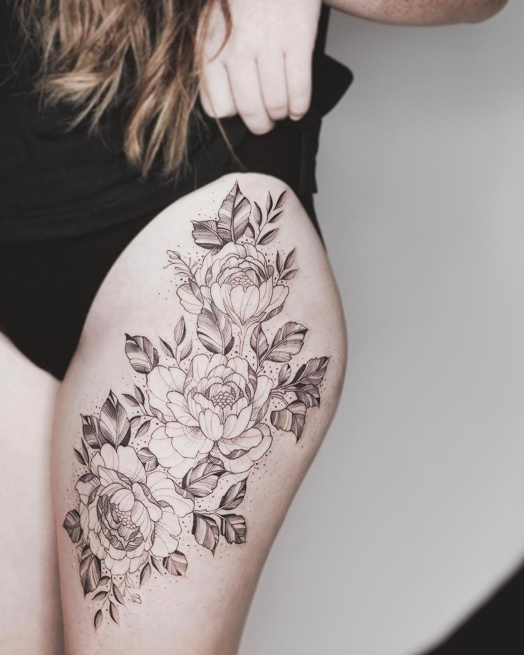 Tattoo Oberschenkel Blumen Floral Thigh Piece One Sitting Tattoos On Women Tattoos