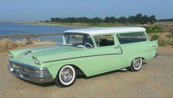 Light custom 1958 ford 2 door ranch wagon motor city for 1957 ford 2 door ranch wagon