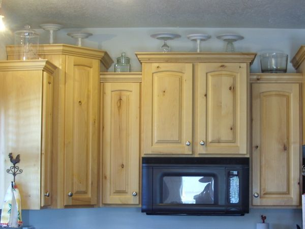 5 Ideas for Decorating Above Kitchen Cabinets | Outdoor ...