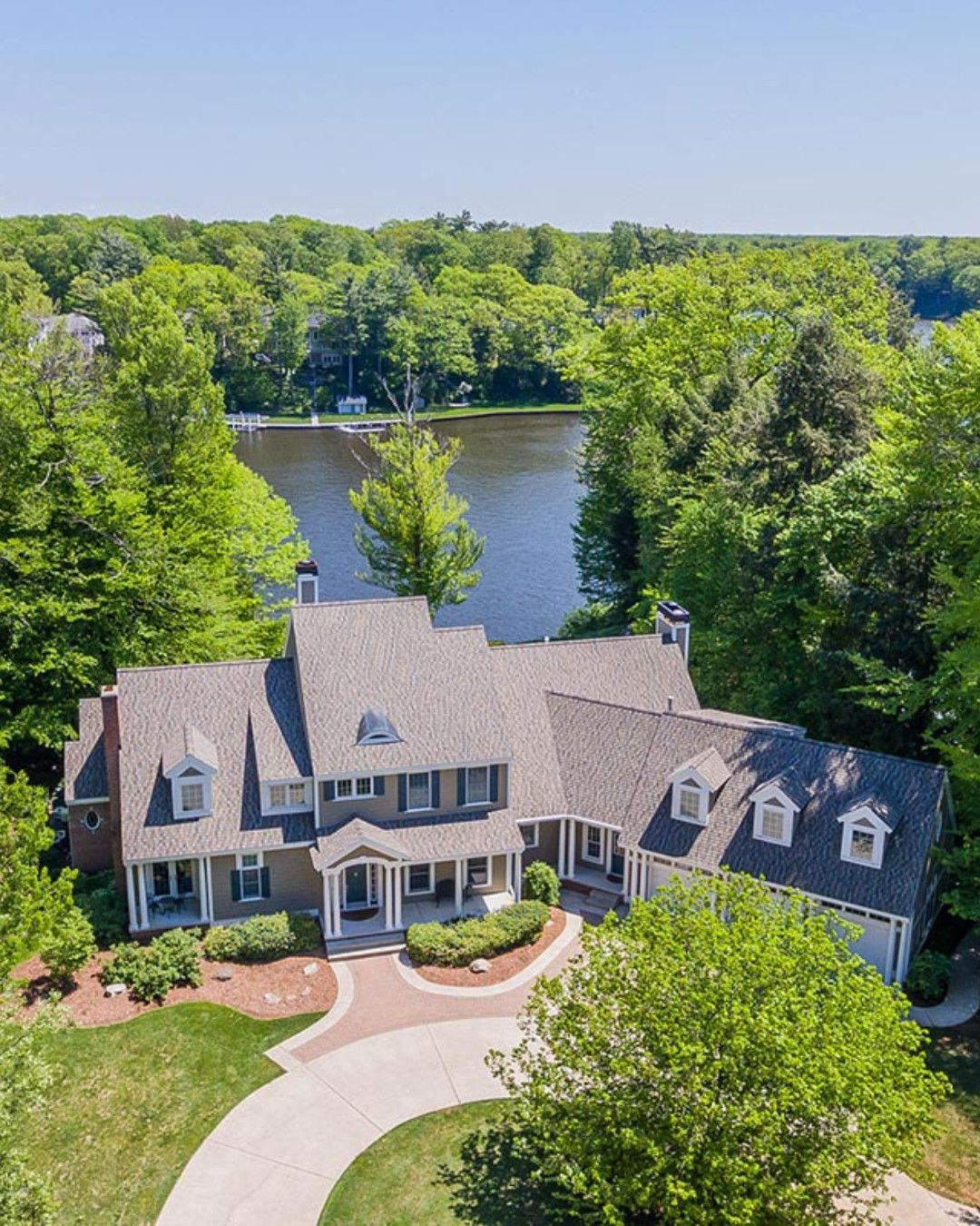 Private Spring Lake Waterfront Estate Listed By Michigan Homes And Cottages Coldwell Banker Global Luxury Homes Waterfront Homes House And Home Magazine