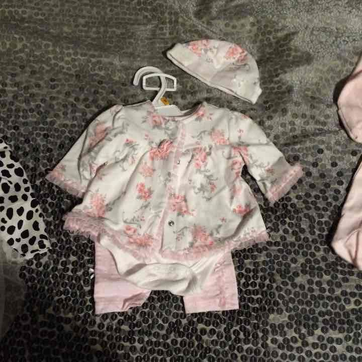 Baby girl clothes - Mercari: Anyone can buy & sell