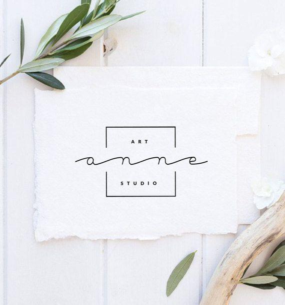 Diese Auflistung ist für ein vorgefertigtes minimalistisches Logo-Design. Das Logo ist einer der wichtigsten Aspekte eines Unternehmens. Es stellt dar, was Ihr Unternehmen ist und zieht Kunden an. Möchten Sie Ihr Geschäft auf die nächste Stufe bringen? Unsere vorgefertigten Logos sind dafür perfekt! Wählen Sie ein Logo Ihrer Wahl aus, kaufen Sie es, senden Sie uns Ihre Unternehmensinformationen und alle Farben, die Sie mit dem Text ändern möchten, und wir werden alle Anpassungen für Sie vorne - fashion beauty