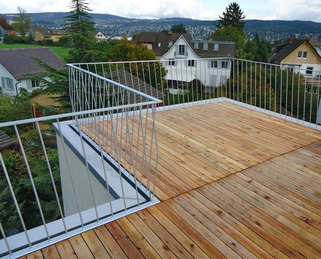 Dachterrasse Mit Holzrost Und Gelander Gelander Mit Schragen Staketen Dachterrasse Gelander Dachterrasse Terrasse