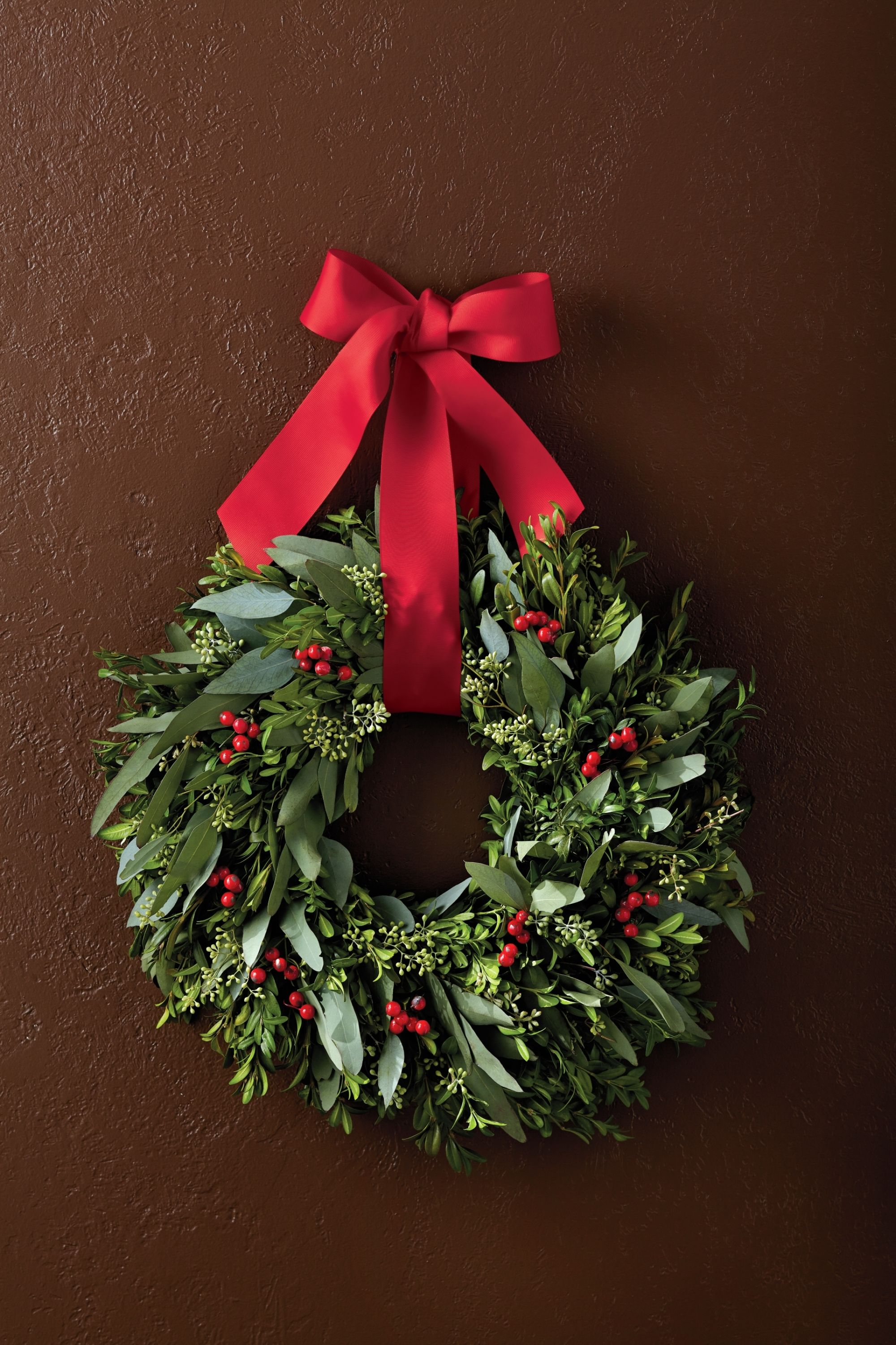 This Aromatic Boxwood Wreath Makes For A Great Christmas