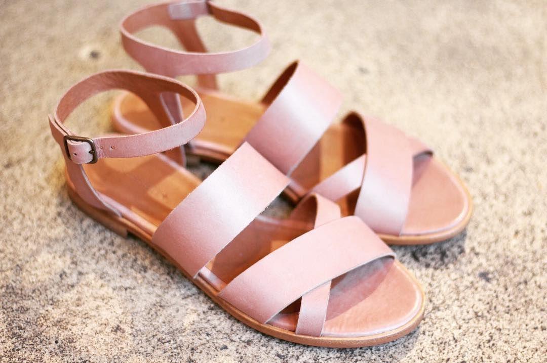 Sandales MALANGA - Coloris Peach - Collection Printemps/Ete 2016 - Deja disponible en boutique et en ligne sur Sessun.com <> Shoes MALANGA - Peach color - Spring/Summer 2016 collection - Now available in stores and online on Sessun.com  MALANGA : http://bit.ly/1VEzdb9  #sessun #label #fashion #love #color #photoftheday #shoes #summer #spring #instagood #instadaily by sessun