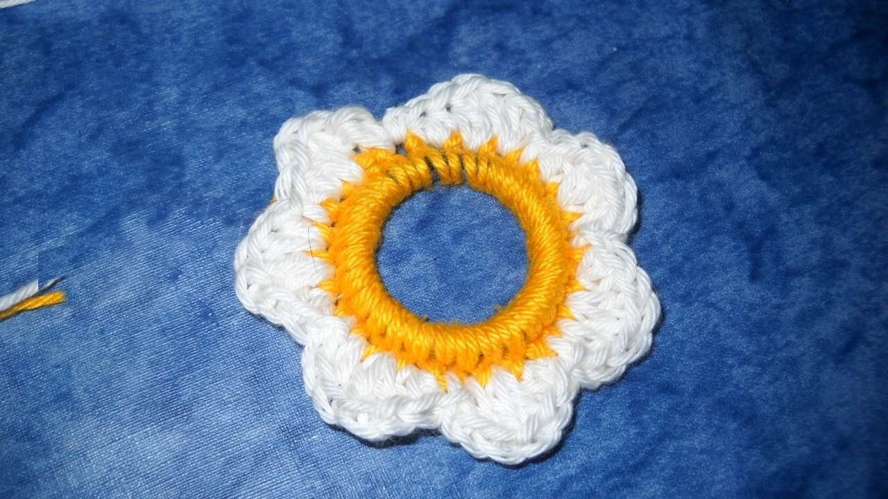 How To Crochet A Nice Daisy With A Hard Disk Piece - DIY Crafts Tutorial - Guidecentral
