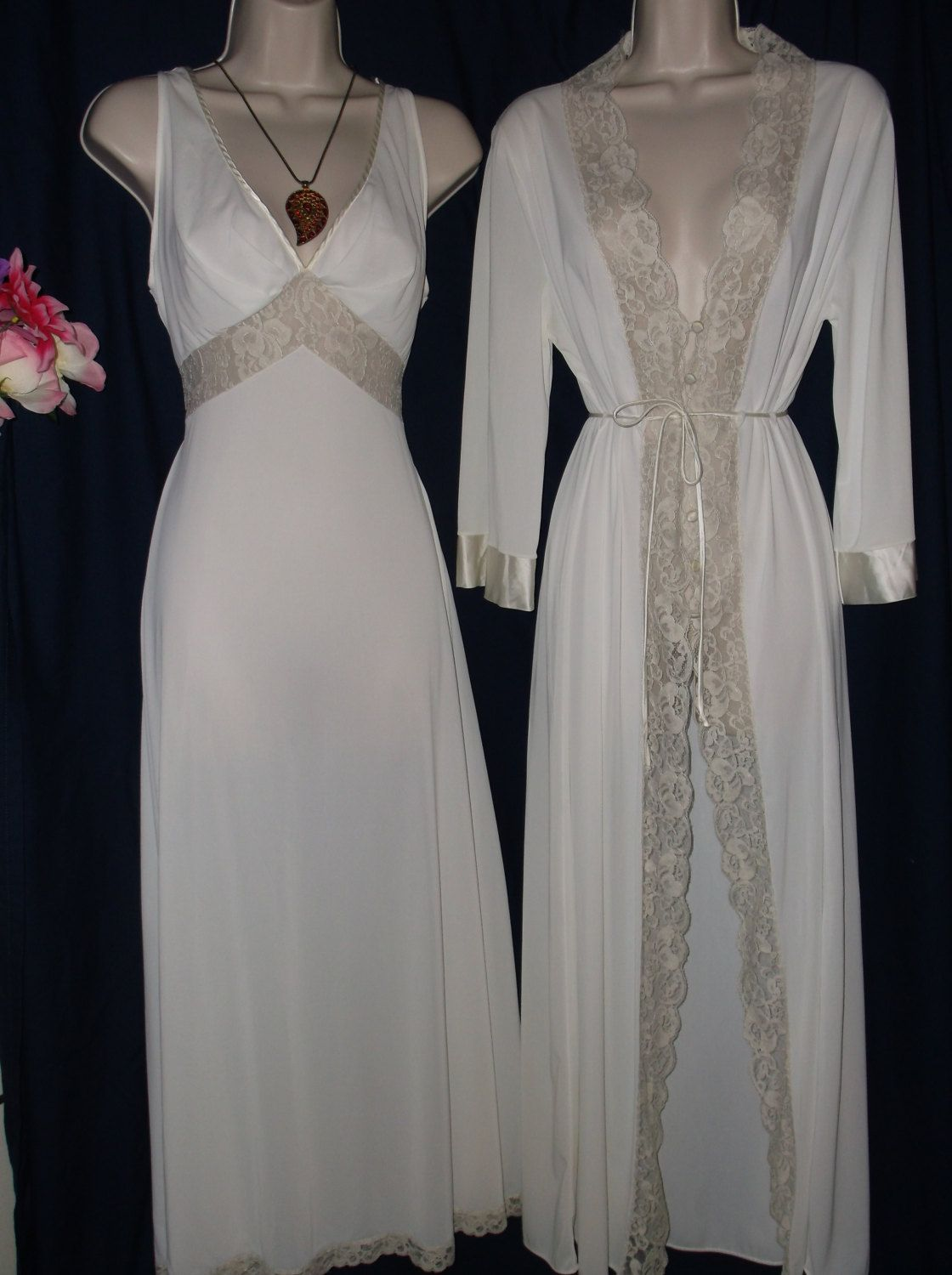 Vintage 1960s bridal peignoir set by Sears  2-piece nightgown and robe dressing  gown  36 Medium  white ivory  beige lace trim  old Hollywood 5f53a4578
