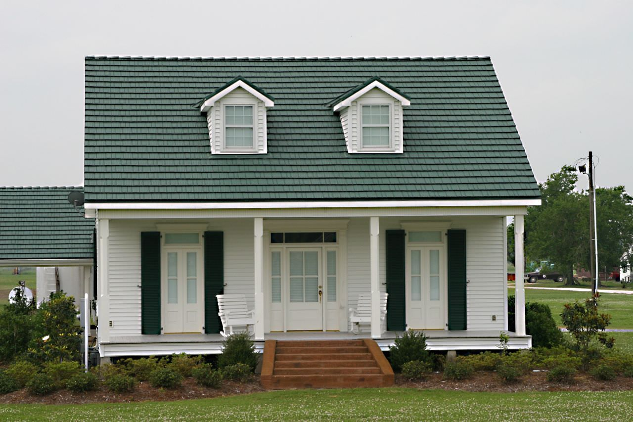 Exterior House Colors With Green Metal Roof