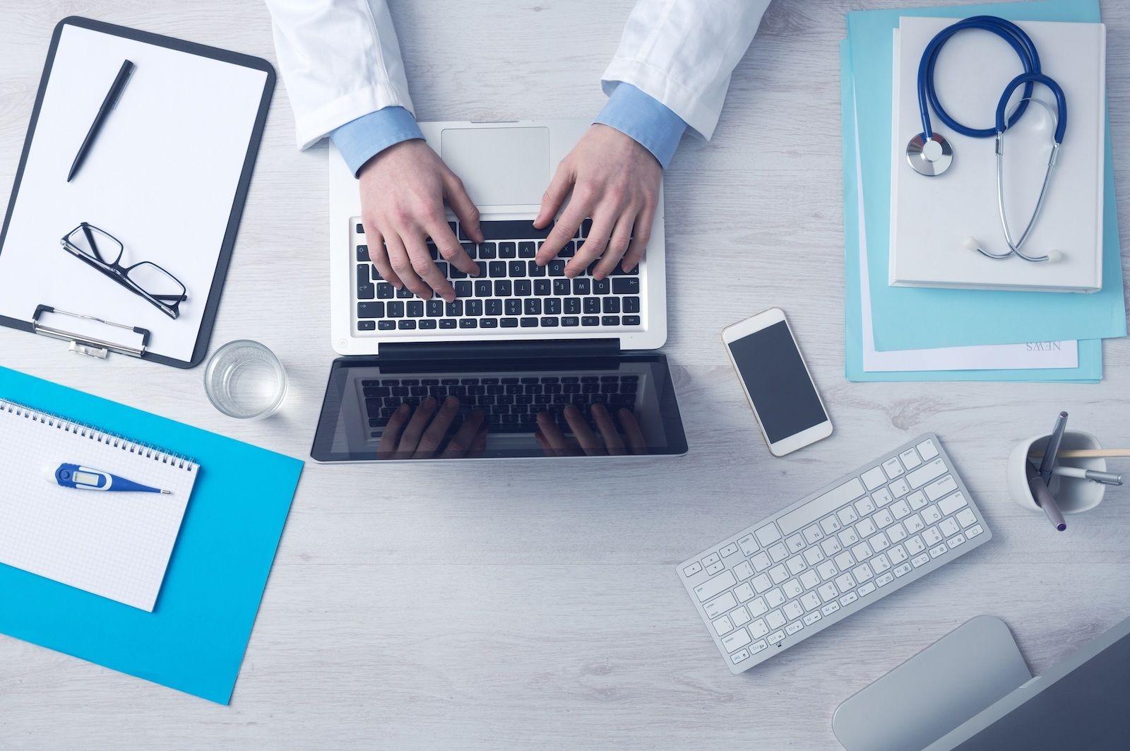 #MedicalWriter for #Dental Blog @DentalContent  Post free #meded & #medcomms jobs via @_scienterrific_ https://t.co/N7ZI2sxCSM