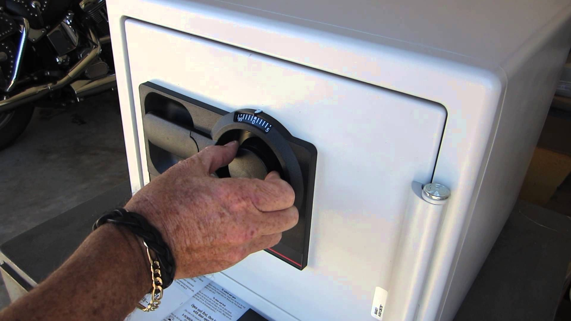 How to open sentry safe 3 number dial combination lock