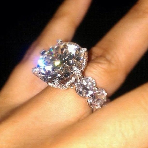 Floyd Mayweather Wife S Ring 3 Million Dollars Huge Engagement Rings Diamond Wedding Rings Engagement