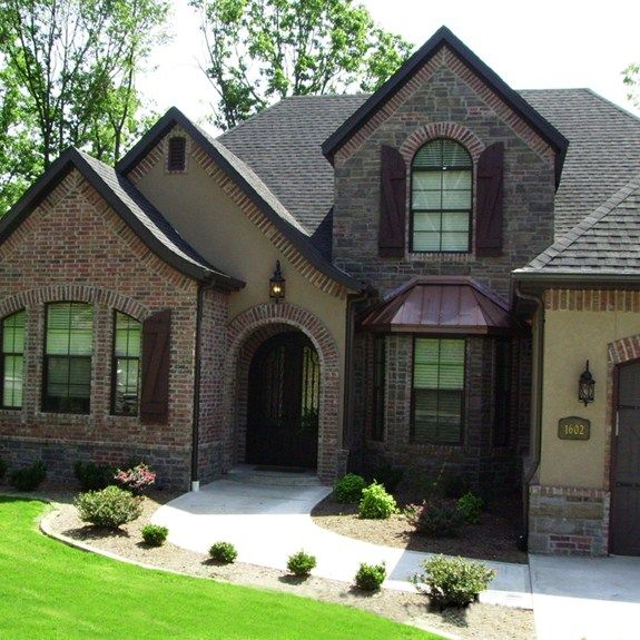 130 0862 Union City Collection Residential Bricks Boral Usa With Images House Exterior Brick Building A House