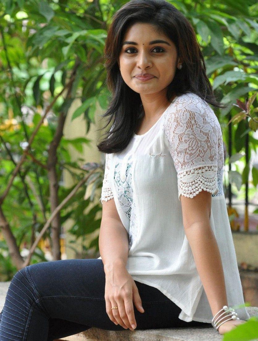 Nivetha Thomas New Stills Nivetha Thomas Malayali Beauty Made Her Debut In Tollywood With Nani S Indian Actress Photos Beauty Full Girl Indian Bridal Fashion