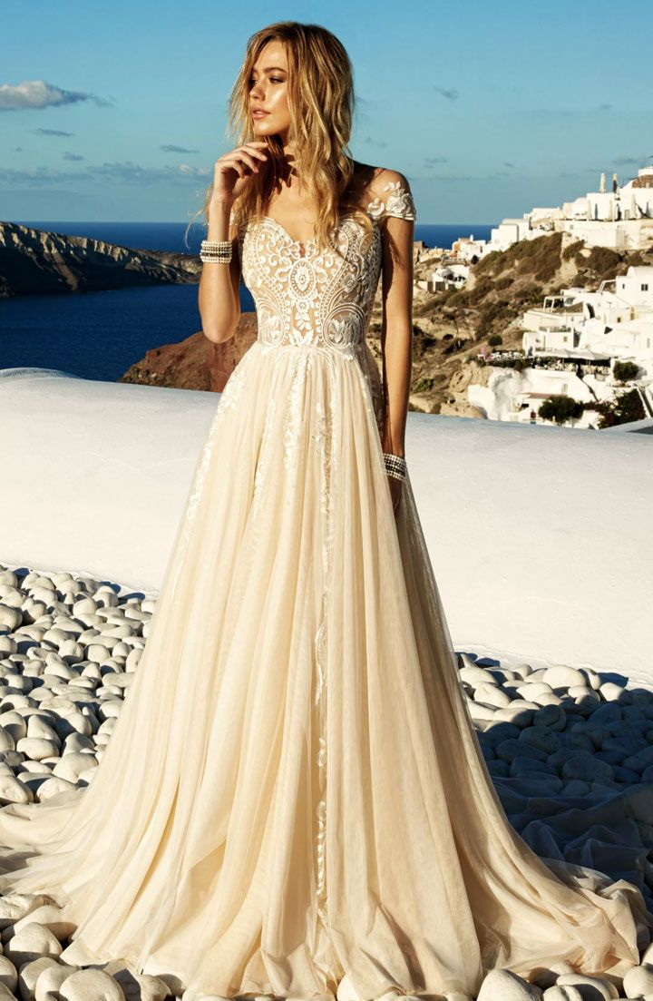 Gorgeous wedding gown with short sleeve | Cap sleeve wedding dress #weddingdress #weddinggown #weddingdresses ,short sleeve wedding dresses, wedding dresses ,wedding gowns