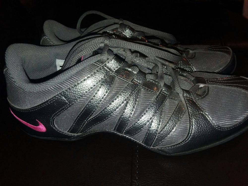 552e46c2c26ad4 NIKE Womens 324751-063 Grey Musique IV Athletic Lace Up Training Shoes Size  9