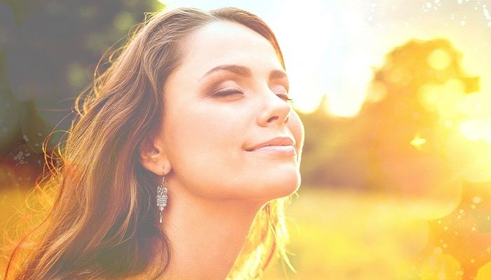 Haluatko oppia stressinhallintaa ja olemaan enemmän läsnä arjessasi? Onko sinun vaikea rentoutua ja rauhoittua, tai onko sinulla univaikeuksia? Tai hallitsevatko kivut ehkä elämääsi? Tule tutustumaan Mindfulness, hyväksyvän tietoisen läsnäolon menetelmään ja virkistymään ja kohentamaan hyvinvointiasi.        Mindfulness menetelmästä on tehty yli kolmetuhatta tutkimusta ja sen on todettu lisäävän stressinsietokykyä ja kykyä elää nykyisessä jatkuvassa muutoksessa. Harjoitteiden