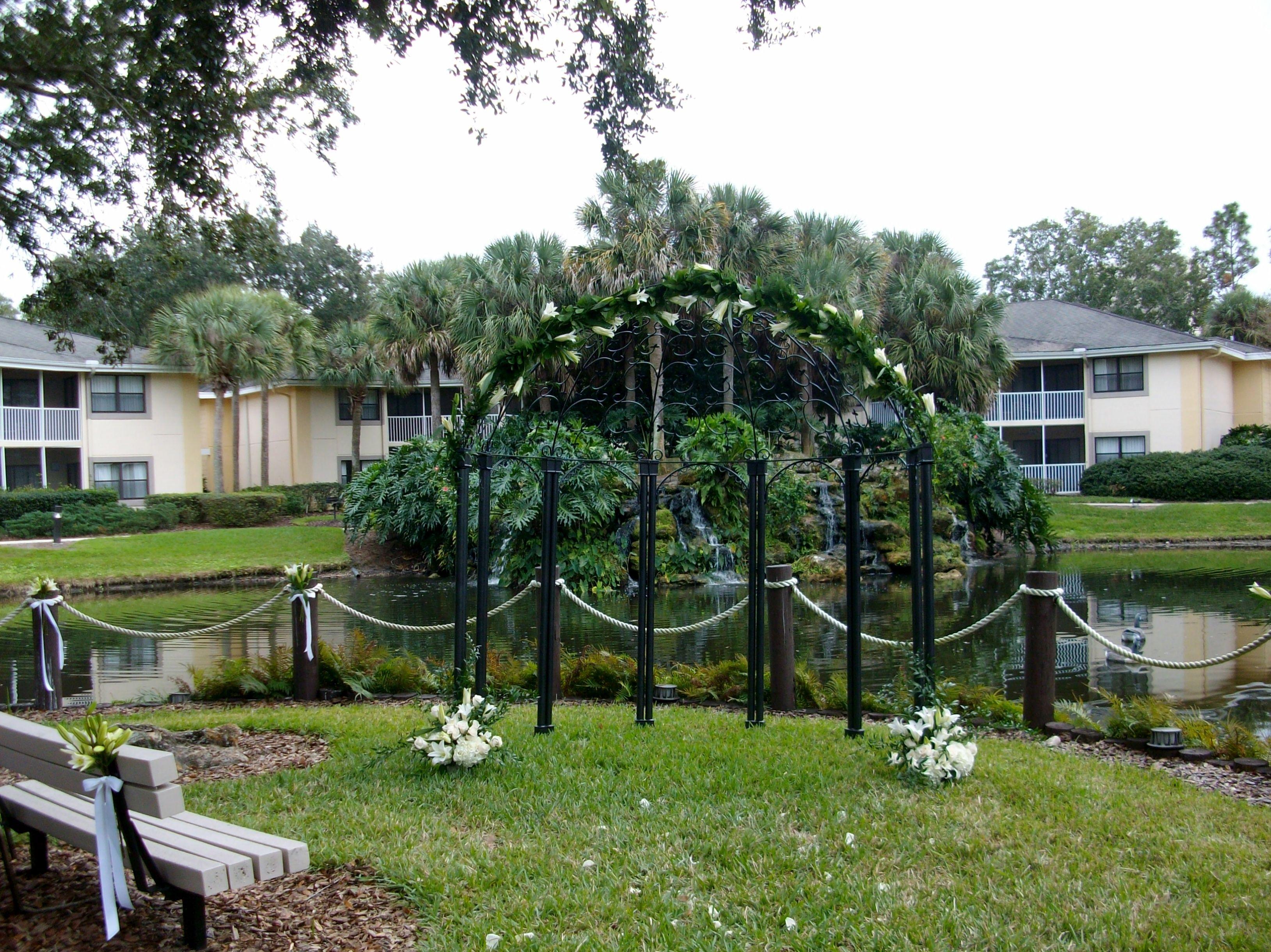 Sheraton Vistana Resort Destination Wedding Ceremony A Lovely Lakefront Location Orlando Florida