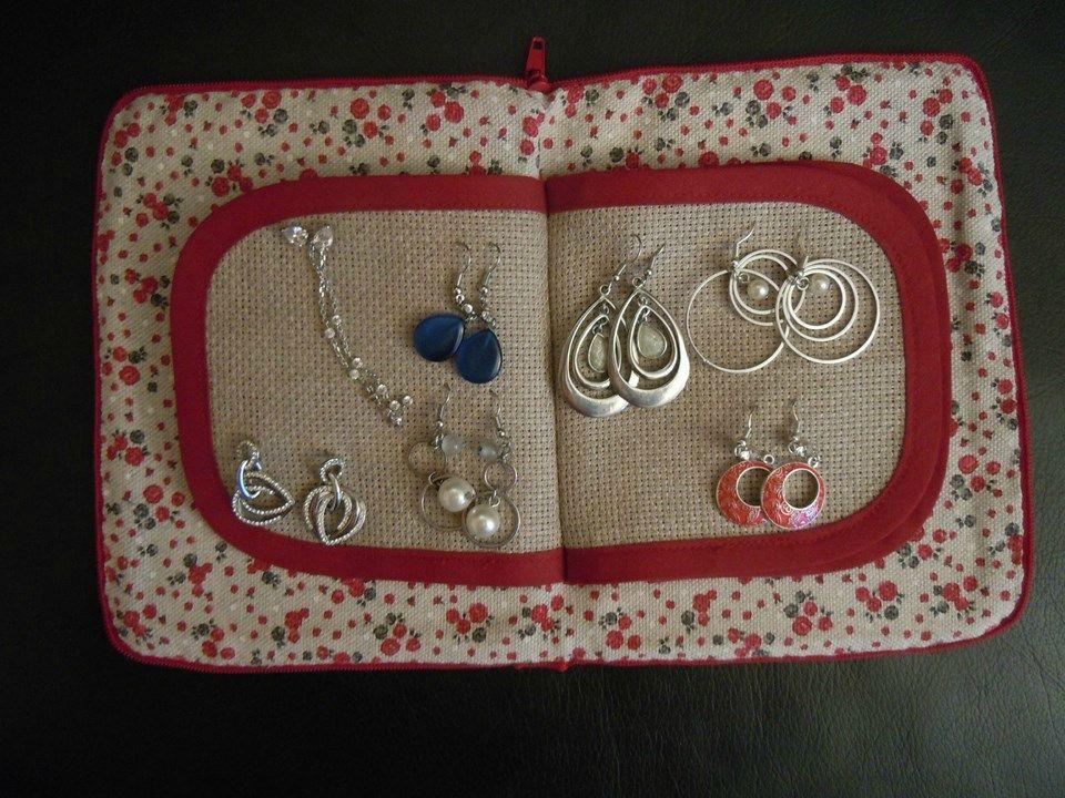 COUTURE - ART DE LINE   Rangement boucle d oreille, Rangement bijoux, Boucle d'oreille