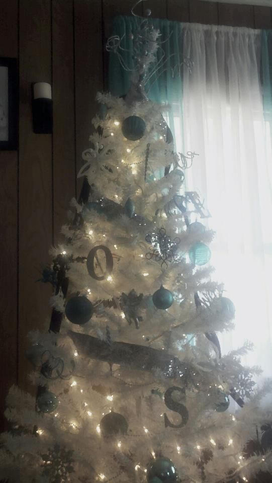 White tree with aqua,silver and black accents!!