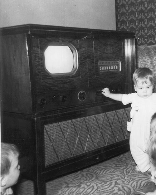 1928 - The First TV Set | 12 Important Steps In The History