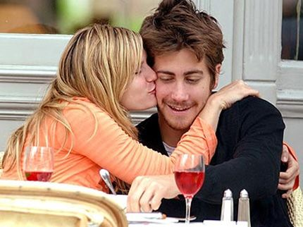 Jake Gyllenhaal And Reese Witherspoon Kiss