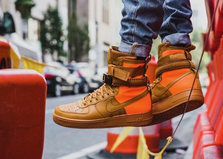 buty nike wmns special field air force 1 desert ochre