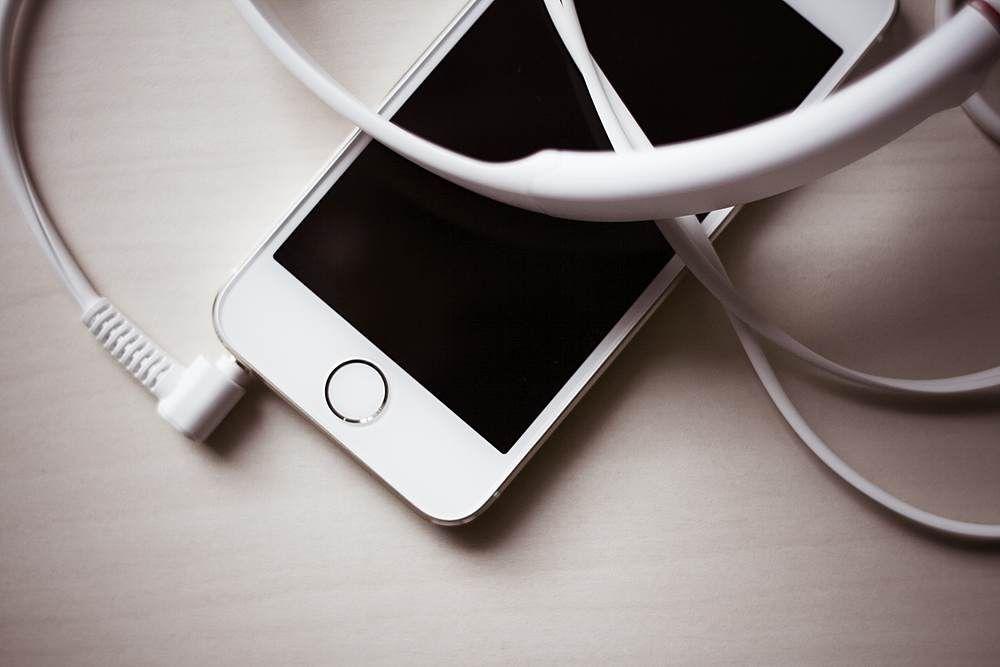 White iPhone 5S With Headphones