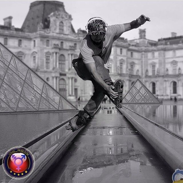 today 2014/08/19 @loves_freedom_ presented me and featured this pic as «PHOTO OF THE DAY» saying ❝⍟ Congrats cucodevenegas ⍟❞ tagged to #loves_freedom_ «Parisian wandering... | Paseo estilo parisino... | Errance parisien...» #wenrolling IT OA