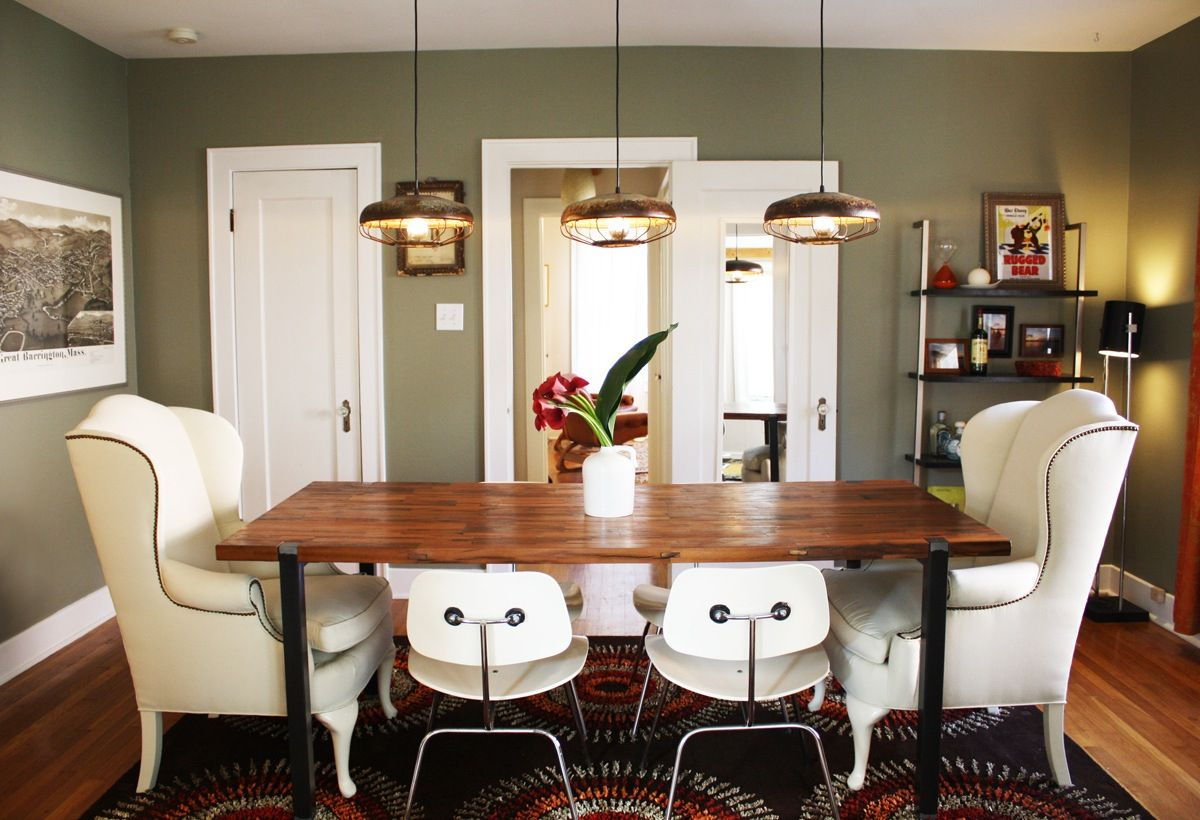Fabulous A Cool South Austin Bachelor Bungalow House Tours From Bralicious Painted Fabric Chair Ideas Braliciousco