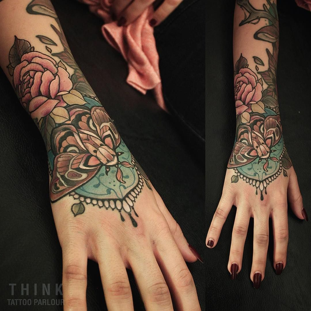 Santi Bord On Instagram Mano Completa De Una Sesion Sin Una Lagrima Gran Aguante Macarena Gracias Por Llevar Mis Tattoos Body Art Tattoos Victorian Tattoo