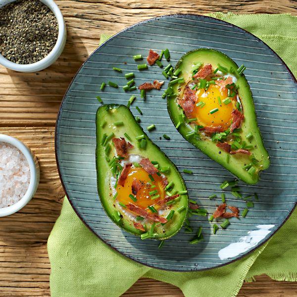 Jajko Pieczone W Awokado Przepis Recipe Healthy Recipes Cooking Food