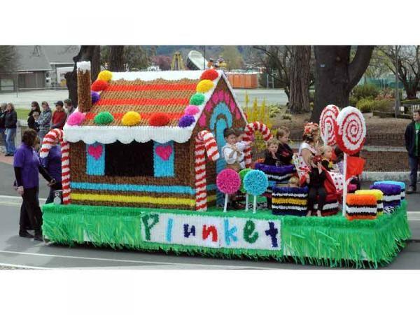 Alexandra plunket society float hansel and gretel for Princess float ideas