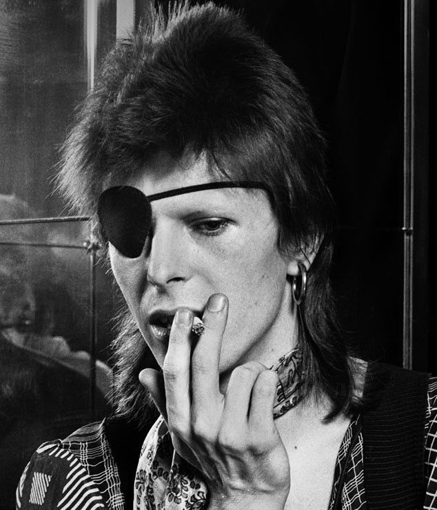 "DAVID BOWIE on cigarettes: ""I can ask for cigarettes in every language"""