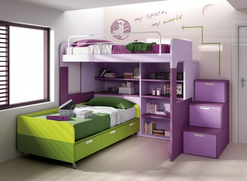 Divertido y colorista dormitorio infantil para dos con for Recamaras literas juveniles