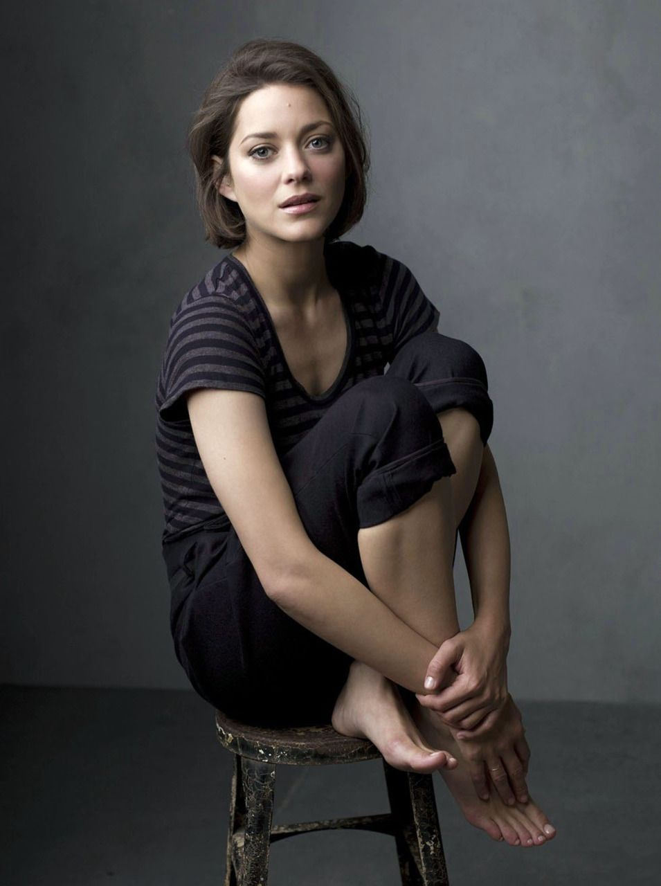 """marion cotillard / sometimes i want to cut my hair like this. September 30, 1975, 4:50 AM in:Paris 12e (France) Sun: 6°22' LibraAS: 14°06' Virgo Moon:27°22' CancerMC: 9°49' Gemini Dominants: Libra, Virgo, Cancer Mercury, Neptune, Moon Houses 2, 11, 4 / Air, Fire / Cardinal Chinese Astrology: Wood Cat Numerology: Birthpath 7 Height: Marion Cotillard is 5' 6½"""" (1m69) tall"""