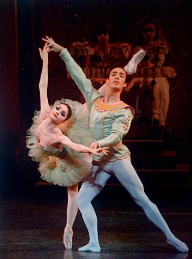 Sugarplum Pas de deux The Nutcracker Ballet dancers