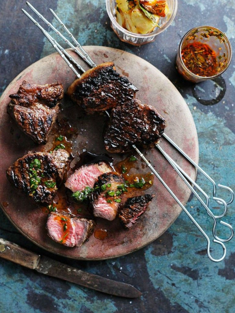 Idee Cuisine Viande Roasted Steak With Chimichurri Sauce Recette Recettes Viande