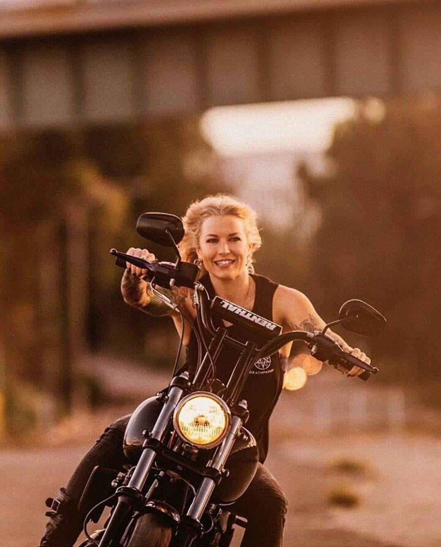 TRIUM0H THAILAND   Motorbike girl, Motorcycle girl
