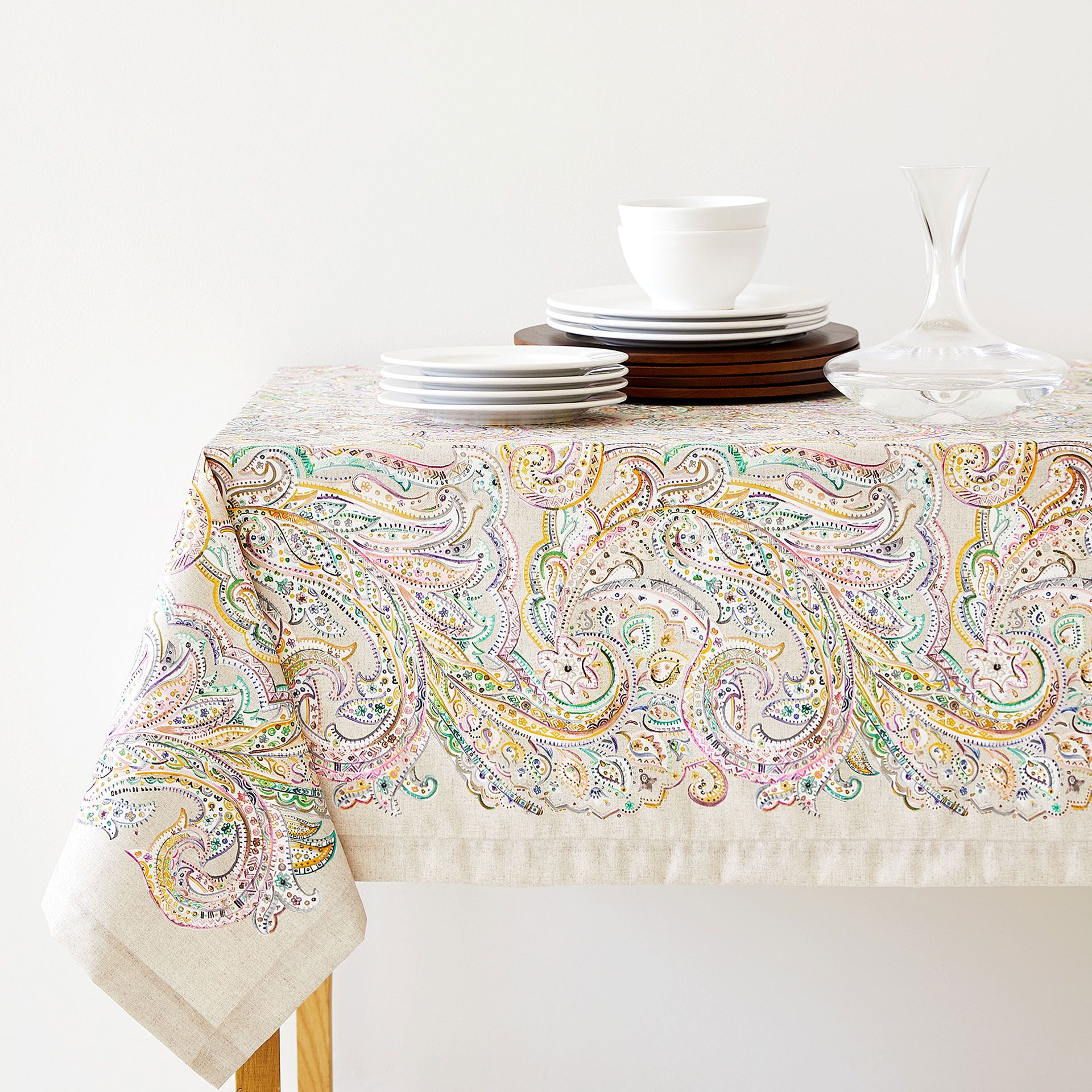 Exceptionnel Digital Paisley Print Tablecloth
