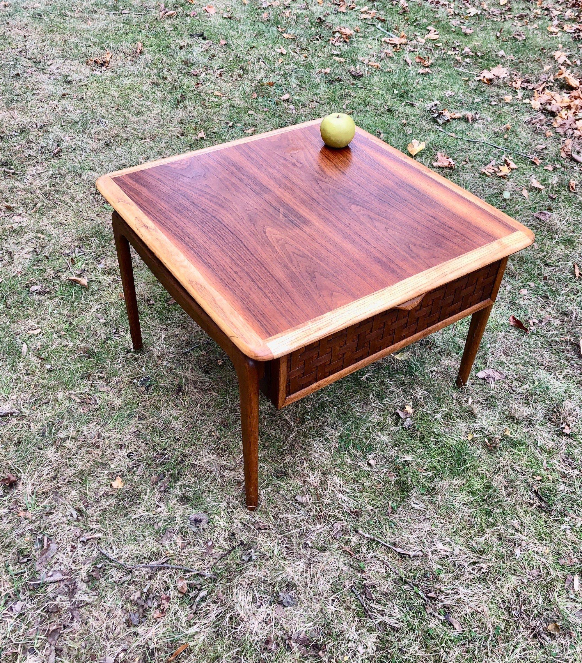 Classic Mid Century Modern C1960 Lane Alta Vista Side Table W Drawer Walnut Oak Shipping Is Not Incl In 2020 Mid Century Modern Mid Century Modern Decor Mid Century [ 2277 x 2000 Pixel ]