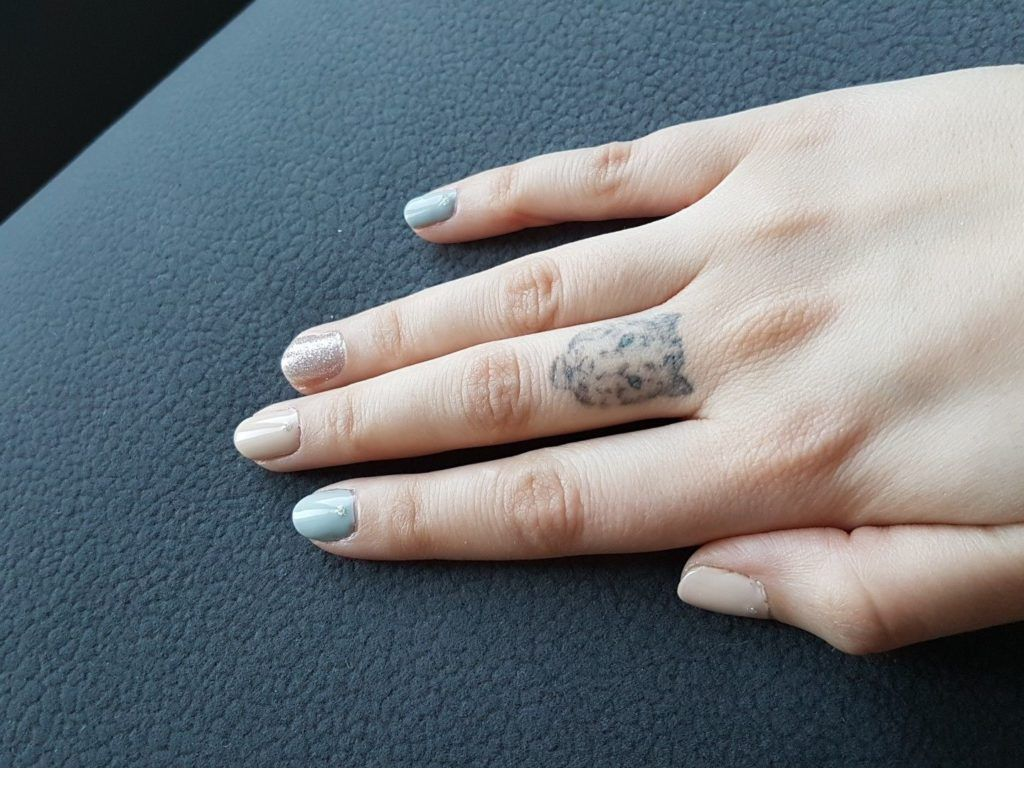 Beige And Blue Short Nails In 2020 Short Nails Fresh Nails