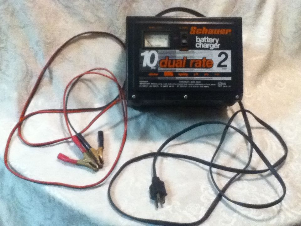 SCHAUER Handled Battery Charge Dual Rate 10 /2 Amp Auto ATV
